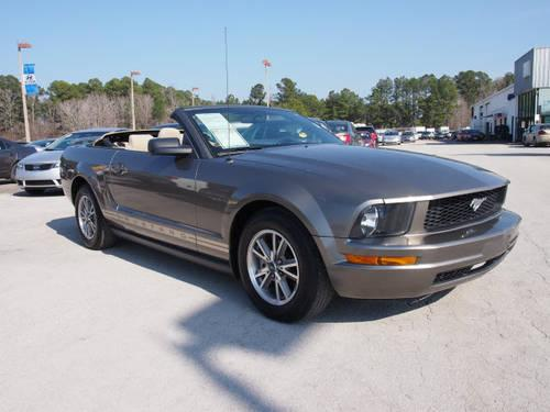2005 ford mustang 2d convertible v6 for sale in neuse forest north carolina classified. Black Bedroom Furniture Sets. Home Design Ideas
