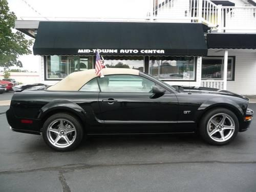 2005 ford mustang coupe convertible for sale in blue ball ohio classified. Black Bedroom Furniture Sets. Home Design Ideas