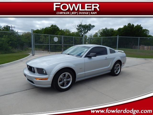 2005 ford mustang gt deluxe gt deluxe 2dr coupe for sale. Black Bedroom Furniture Sets. Home Design Ideas