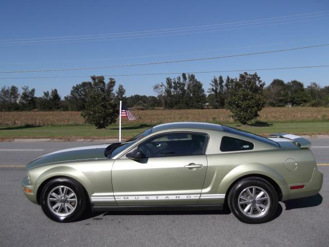 2005 Ford Mustang Premium for Sale in Farmville, North ...