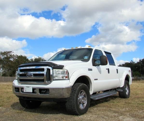 2005 Ford Super Duty F-350 SRW Crew Cab 156 XL 4WD For