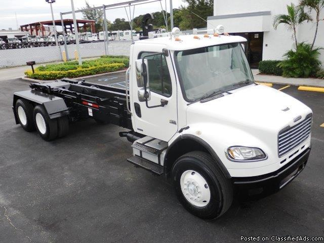 2005 Frieghtliner M2 Business Class Hooklift Truck