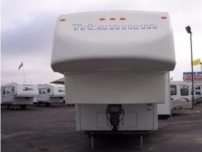 2005 Glendale Titanium 28E33 5th Wheel