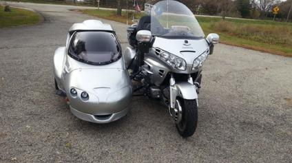 2005 Honda Goldwing 1800ABS With Hannigan Astro sidecar