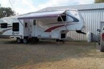 2005 Itasca Horizon 40' w/3 Slides**REDUCED**