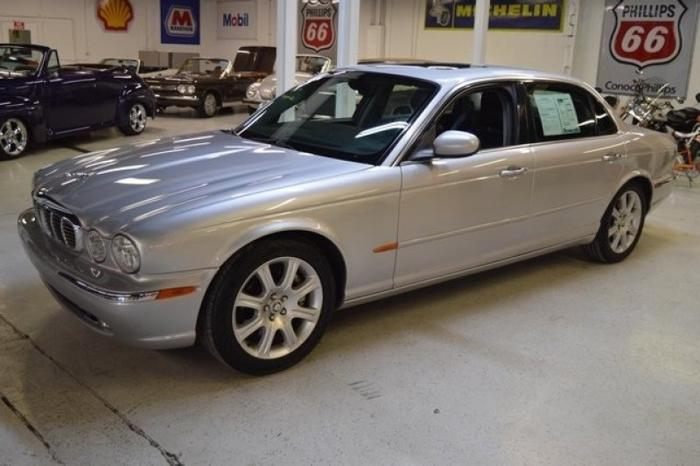 2005 jaguar xj8 for sale in akron ohio classified. Black Bedroom Furniture Sets. Home Design Ideas
