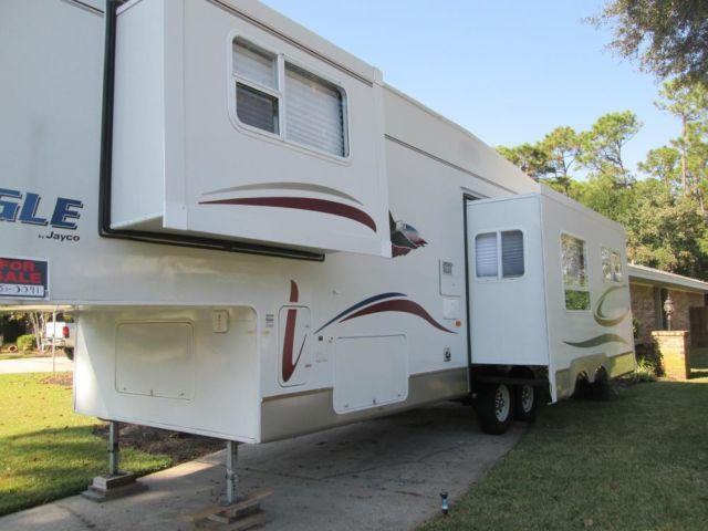 2005 Jayco Eagle 5th Wheel like new