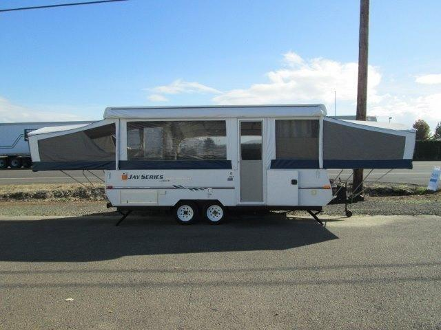2005 Jayco Jay-Series double-axle tent trailer with slideout