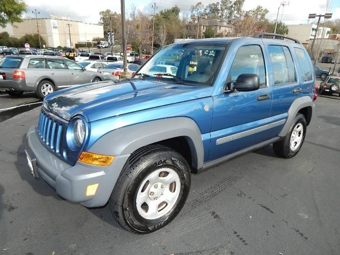 2005 jeep liberty 4dr sport 4wd low miles showroom condition for sale in fair oaks. Black Bedroom Furniture Sets. Home Design Ideas
