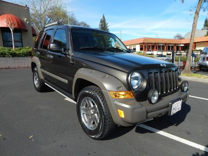 2005 jeep liberty renegade edition 4x4 1st owner like new for sale in fair oaks. Black Bedroom Furniture Sets. Home Design Ideas