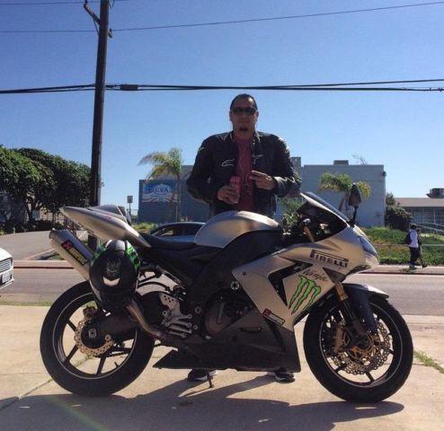 2005 Kawasaki Ninja ZX10r 23,000 clean title super clean!