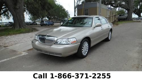 2005 Lincoln Town Car Signature Limited - Leather Seats