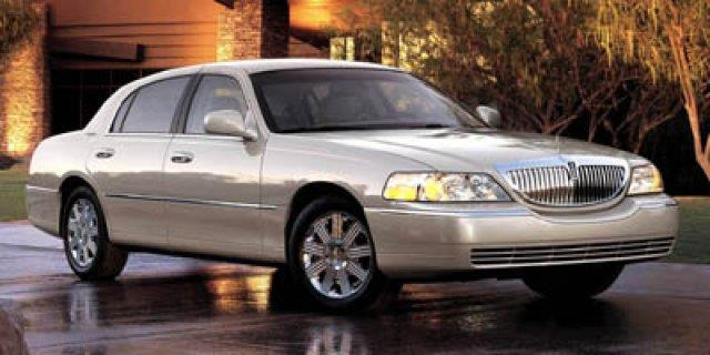 2005 Lincoln Town Car Signature Limited Signature