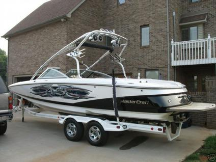 2005 Mastercraft X-45 Ski and Wakeboard Boat