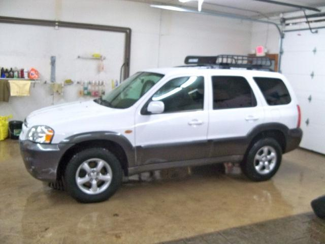 2005 mazda tribute s for sale in west bend wisconsin classified. Black Bedroom Furniture Sets. Home Design Ideas