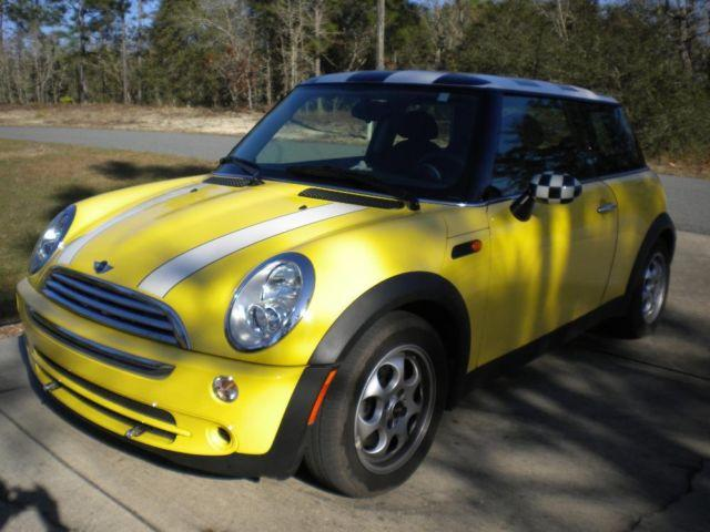 2005 mini cooper 2 door 4 cylinder for sale in dunnellon. Black Bedroom Furniture Sets. Home Design Ideas