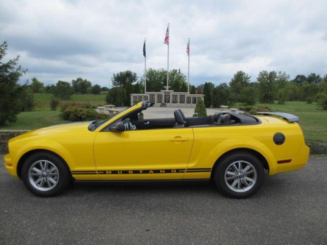 2005 mustang convertible screaming yellow for sale in hebron ohio classified. Black Bedroom Furniture Sets. Home Design Ideas