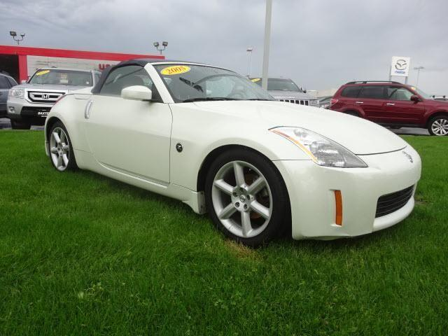 2005 nissan 350z convertible 2dr roadster enthusiast auto for sale in omaha nebraska classified. Black Bedroom Furniture Sets. Home Design Ideas