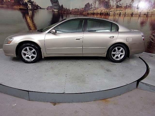 2005 Nissan Altima 2.5 2.5 4dr Sedan