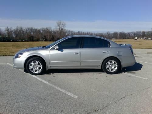 2005 nissan altima 2 5 s privacy glass automatic air cloth for sale in godfrey illinois. Black Bedroom Furniture Sets. Home Design Ideas