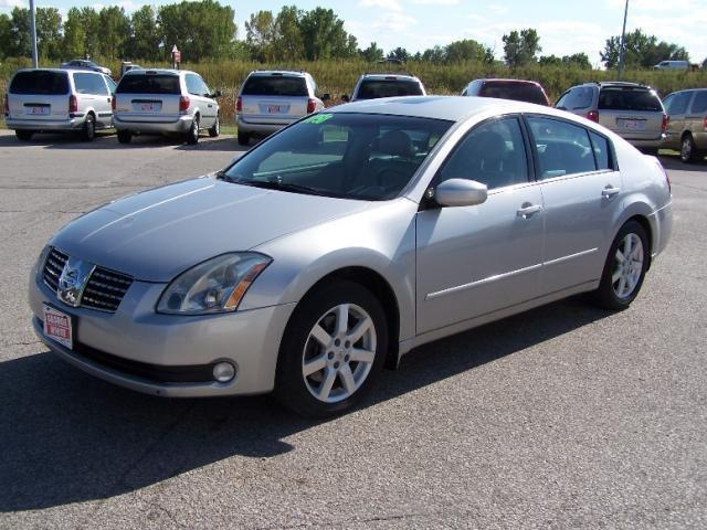 2005 nissan maxima for sale in ames iowa classified. Black Bedroom Furniture Sets. Home Design Ideas