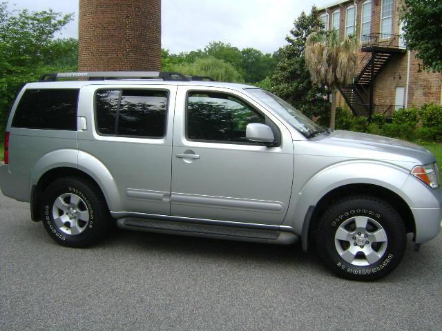2005 nissan pathfinder for sale in edgefield south carolina classified. Black Bedroom Furniture Sets. Home Design Ideas