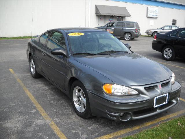 2005 pontiac grand am gt for sale in honeoye falls new york classified. Black Bedroom Furniture Sets. Home Design Ideas