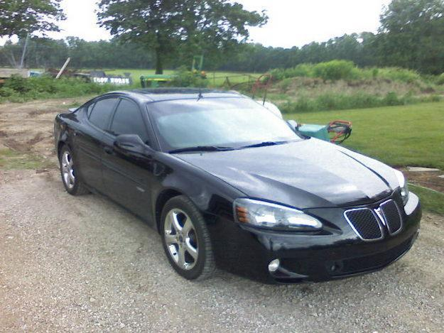 2005 pontiac grand prix gxp for sale in roanoke indiana classified. Black Bedroom Furniture Sets. Home Design Ideas