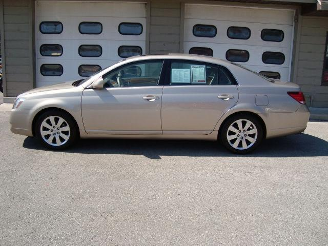 2005 toyota avalon xls for sale in sturgeon bay wisconsin classified. Black Bedroom Furniture Sets. Home Design Ideas