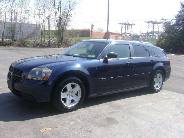 2005 Dodge Magnum SE for Sale in Scranton, Pennsylvania Classified ...