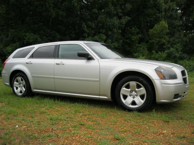2005 Dodge Magnum SE for Sale in Savannah, Tennessee Classified ...