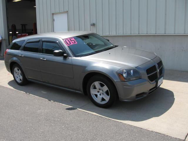 2005 Dodge Magnum SE for Sale in Winona, Minnesota Classified ...