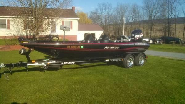 2006 21 FT.BASS BOAT EVINRUDE 225 - $23000