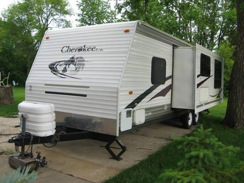 2006 28A Cherokee Lite Travel Trailer with bunk beds for