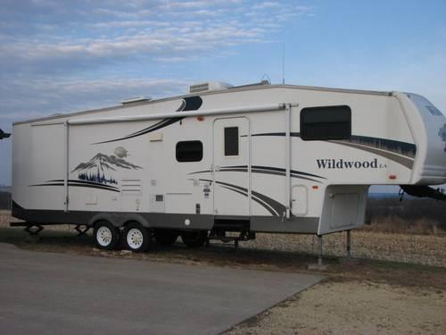 2006 5th Wheel Wildwood Bunkhouse Model 296BHBS - One