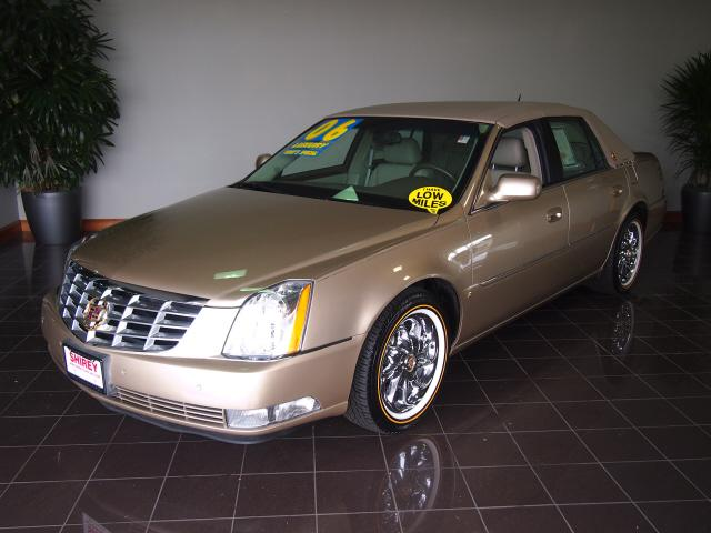 2006 cadillac dts oak lawn il for sale in oak lawn illinois classified. Black Bedroom Furniture Sets. Home Design Ideas