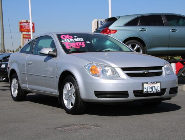 2006 Chevrolet Cobalt LT LT 2dr Coupe w/ Front and Rear