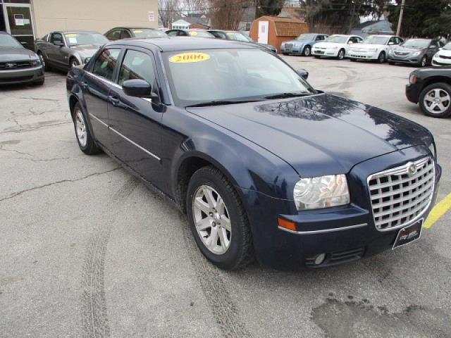 2006 chrysler 300 touring touring 4dr sedan for sale in northwood ohio classified. Black Bedroom Furniture Sets. Home Design Ideas