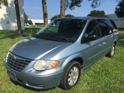 2006 chrysler town and country touring for sale in orlando florida classified. Black Bedroom Furniture Sets. Home Design Ideas