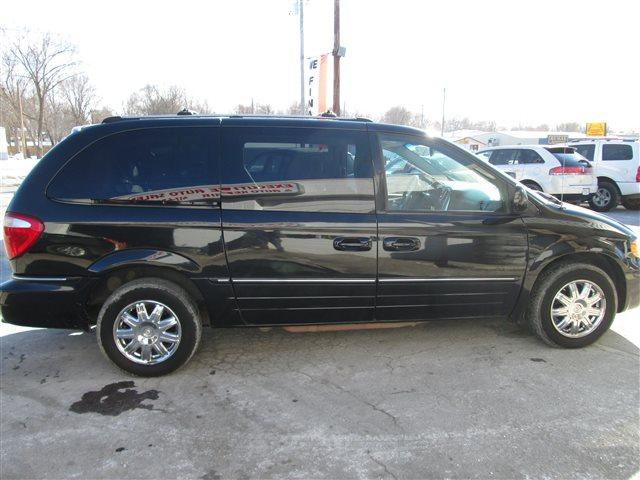 2006 Chrysler Town & Country Limited Sparta, MO for Sale ...