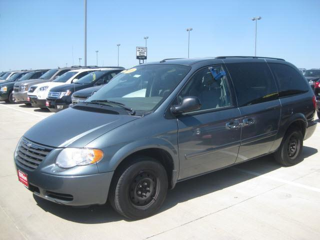 2006 chrysler town country lx for sale in sioux falls south dakota classified. Black Bedroom Furniture Sets. Home Design Ideas