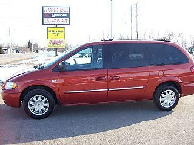 2006 chrysler town country touring for sale in wahpeton north dakota classified. Black Bedroom Furniture Sets. Home Design Ideas