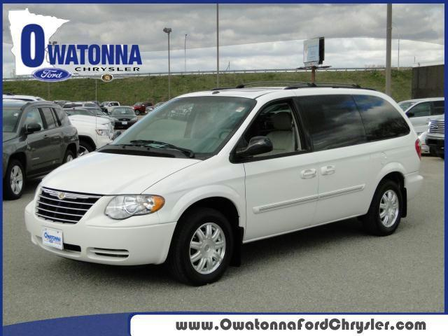 2006 chrysler town country touring for sale in owatonna minnesota classified. Black Bedroom Furniture Sets. Home Design Ideas