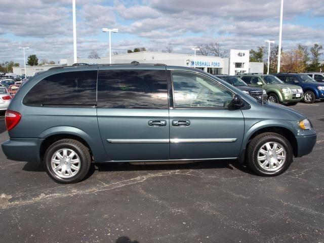 2006 chrysler town country touring for sale in o fallon missouri classified. Black Bedroom Furniture Sets. Home Design Ideas