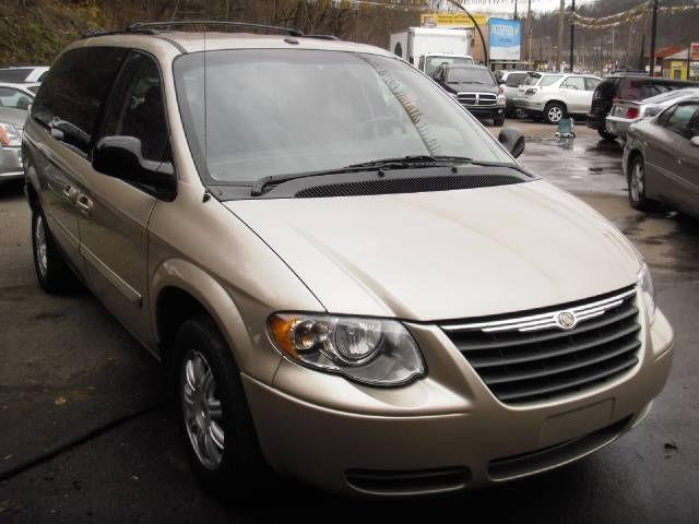 2006 chrysler town country touring for sale in pittsburgh pennsylvania classified. Black Bedroom Furniture Sets. Home Design Ideas
