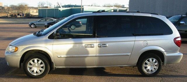 2006 chrysler town country touring for sale in sioux falls south dakota classified. Black Bedroom Furniture Sets. Home Design Ideas