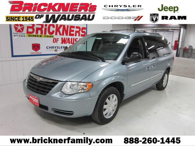 2006 chrysler town country touring for sale in wausau wisconsin classified. Black Bedroom Furniture Sets. Home Design Ideas