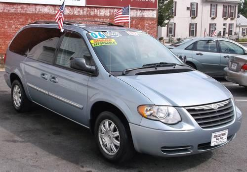 2006 chrysler town country van light blue like new great price for sale in altenwald. Black Bedroom Furniture Sets. Home Design Ideas
