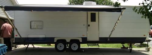 2006 Coachmen Travel Trailer 30' Like New