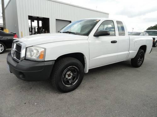 2006 Dodge Dakota Crew Cab Pickup ST